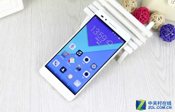 Honor-7-Official-01