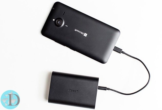 Microsofts Portable Dual chargers