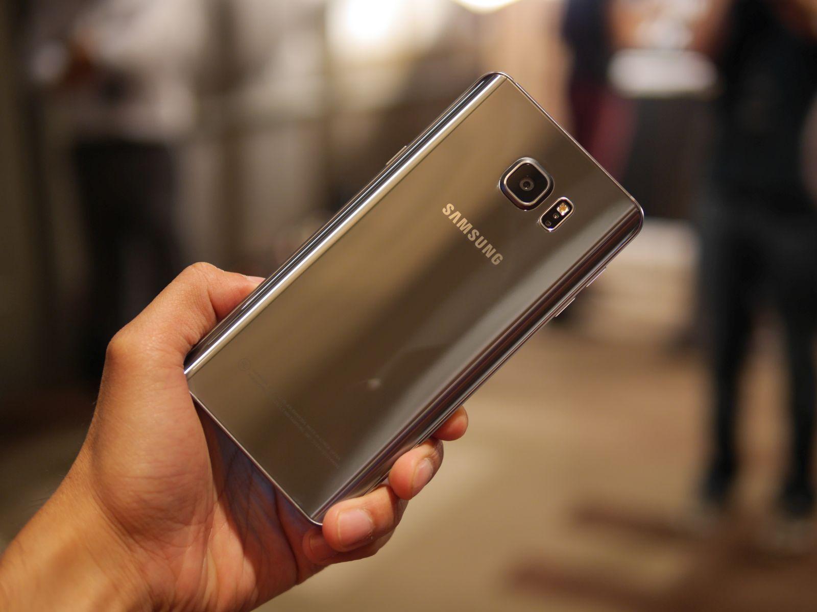 Samsung Galaxy S6 edge Plus 13