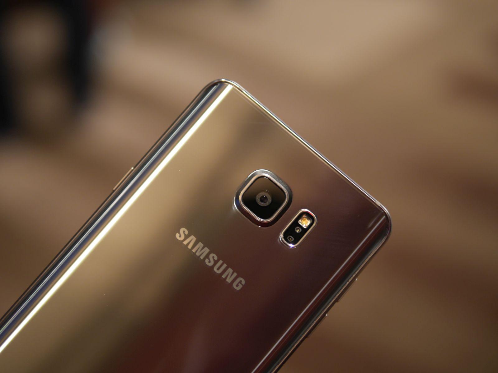 Samsung Galaxy S6 edge Plus 14