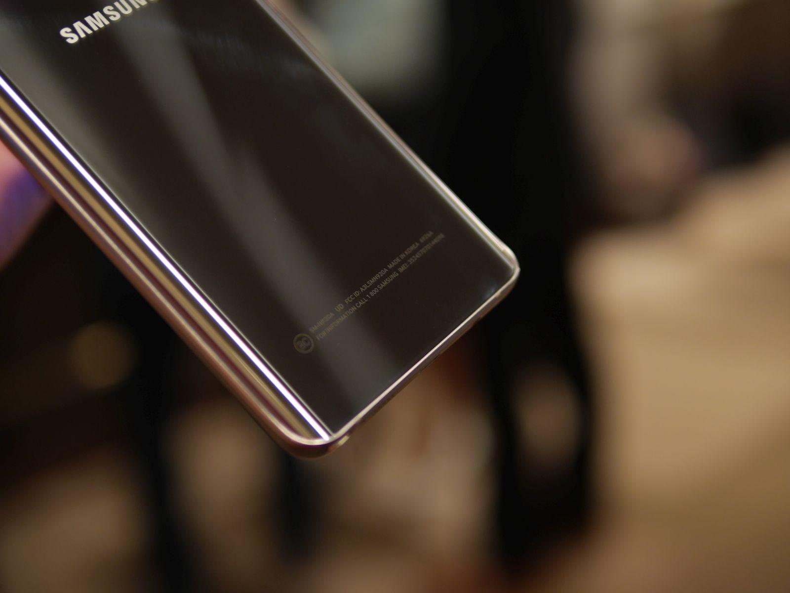 Samsung Galaxy S6 edge Plus 15