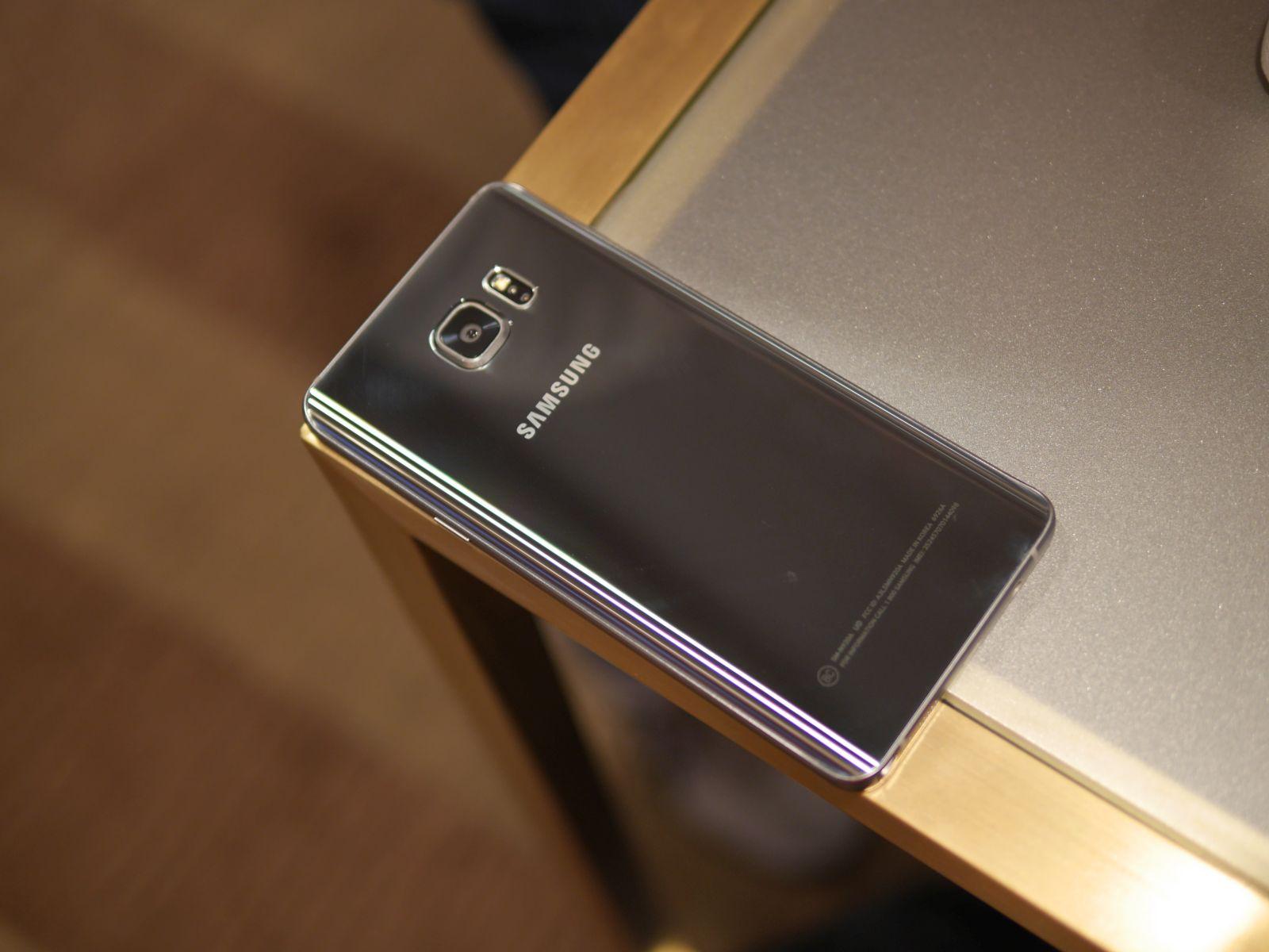 Samsung Galaxy S6 edge Plus 18
