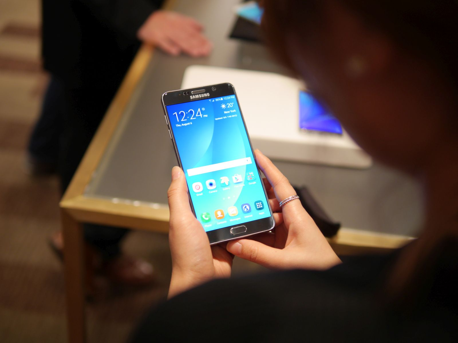 Samsung Galaxy S6 edge Plus 03
