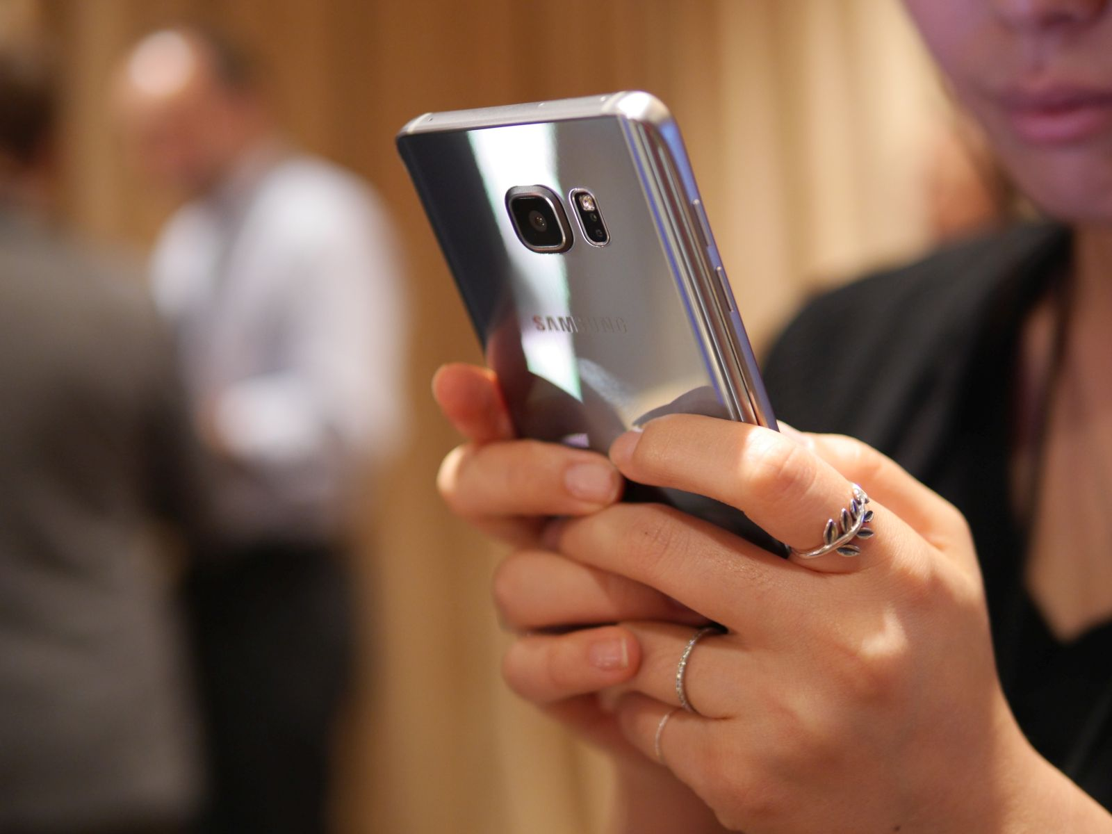 Samsung Galaxy S6 edge Plus 21