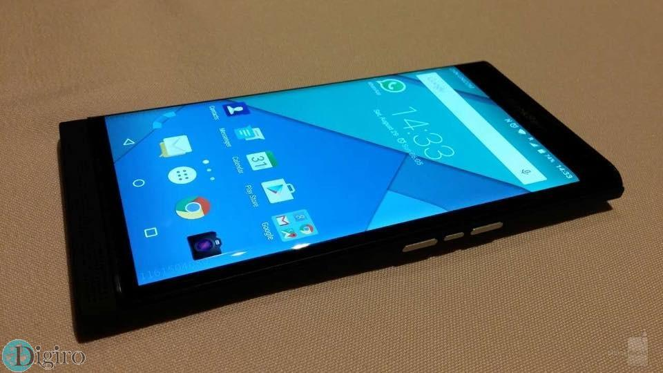 Previously-leaked-photos-allegedly-showing-the-BlackBerry-Priv--Venice (1)