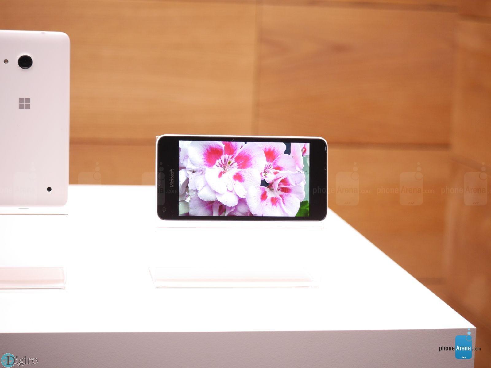 Microsoft-Lumia-550-11