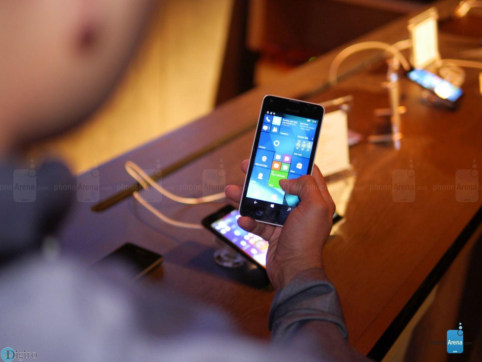 Microsoft-Lumia-550-9