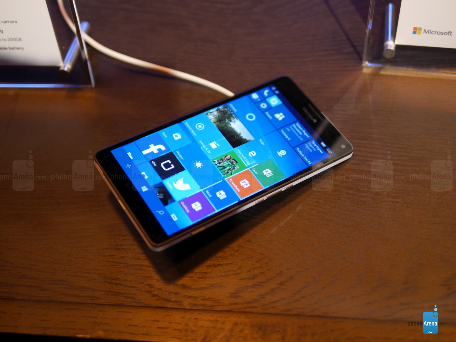 Microsoft-Lumia-950-XL-hands-on (3)
