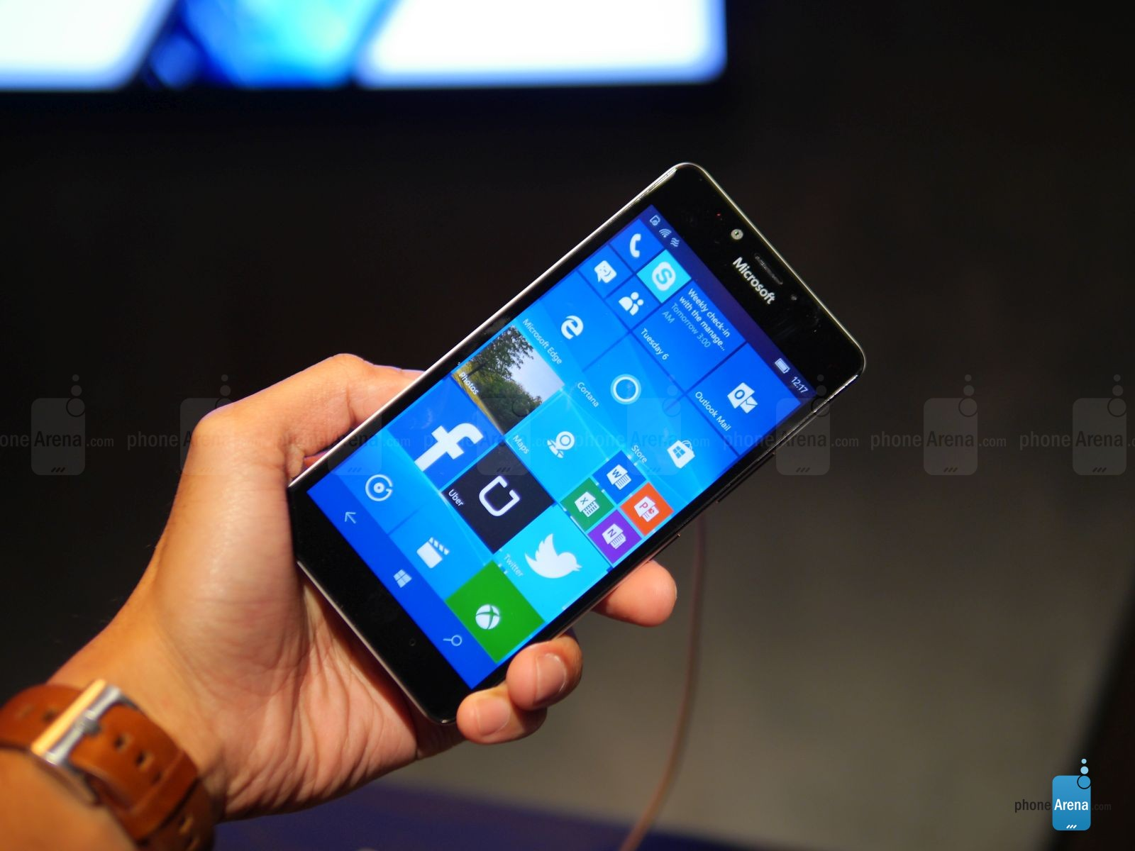 Microsoft-Lumia-950-hands-on (11)