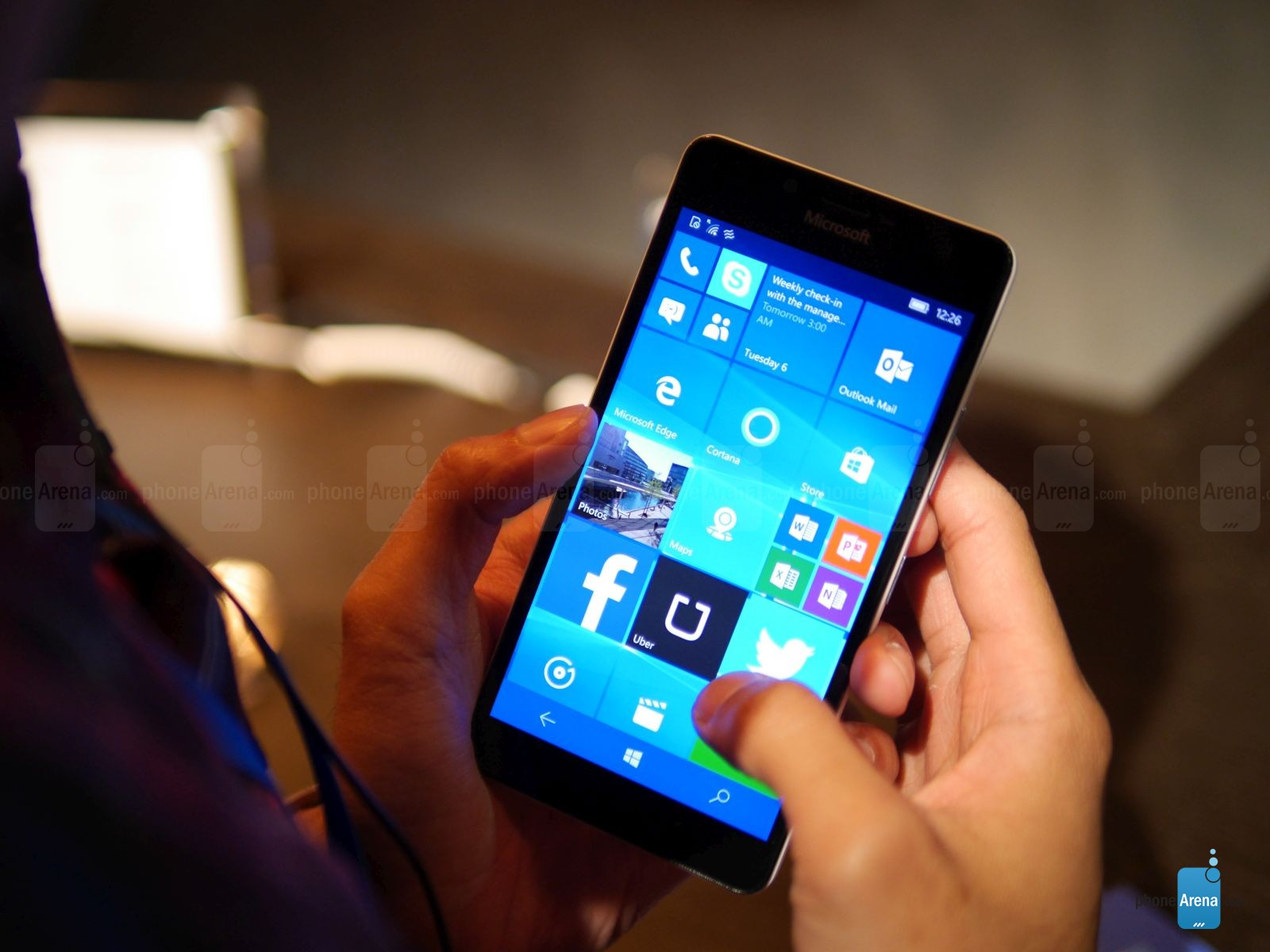 Microsoft-Lumia-950-hands-on (2)