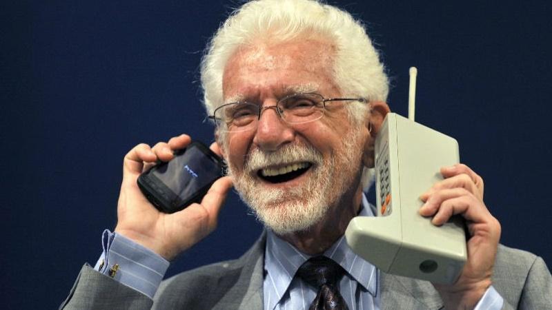 دکتر مارتین كوپر( Martin Cooper ) پدر تلفن همراه