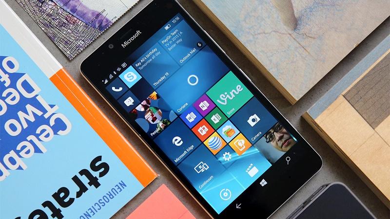 مایکروسافت: ما به یک گوشی به خوبی سرفیس نیازمندیم!
