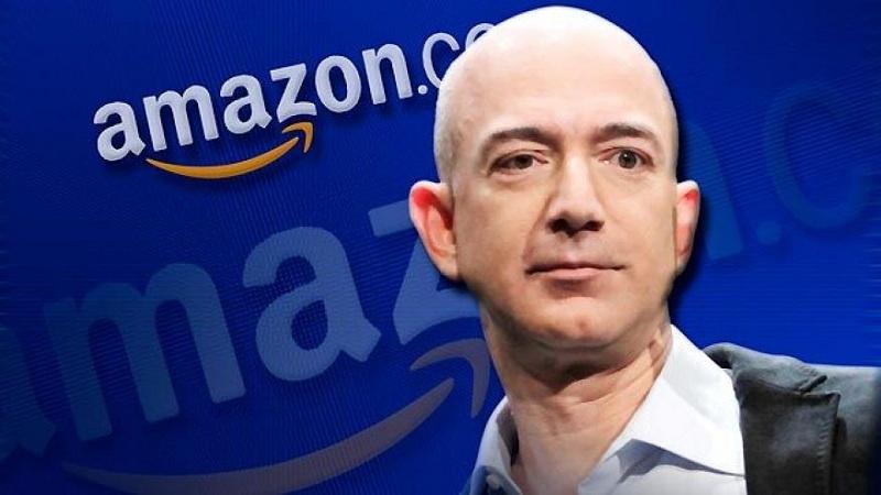 جف بزوس دارنده ی رتبه ی هفدهم قدرتمندترین فرد و رتبه پانزدهمین فرد ثروتمند در جهان