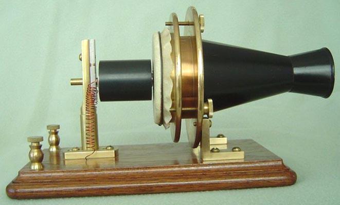 اولین تلفن؛ تلفن اختراعی گراهام بل