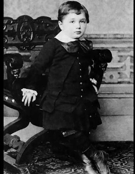 انیشتین در 3 سالگی