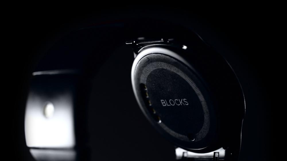 ساعت هوشمند ماژولار بلوکس