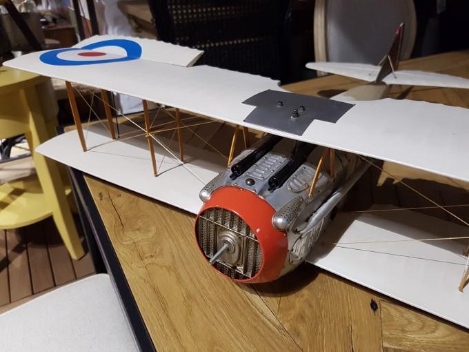 نمونه عکس گلکسی اس 7 از مدل هواپیما