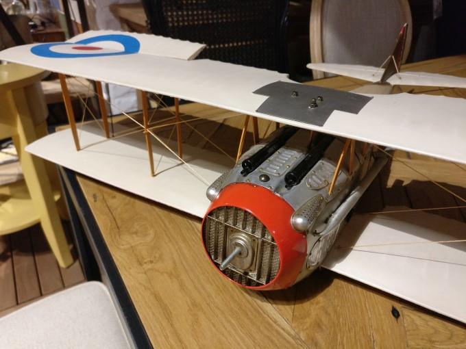 نمونه عکس وان پلاس 3 از مدل هواپیما