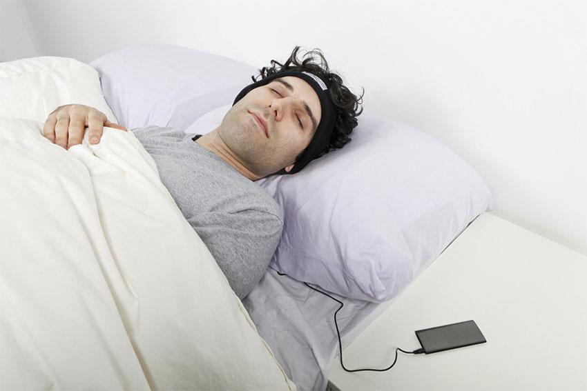 به خواب رفتن با شنیدن موسیقی