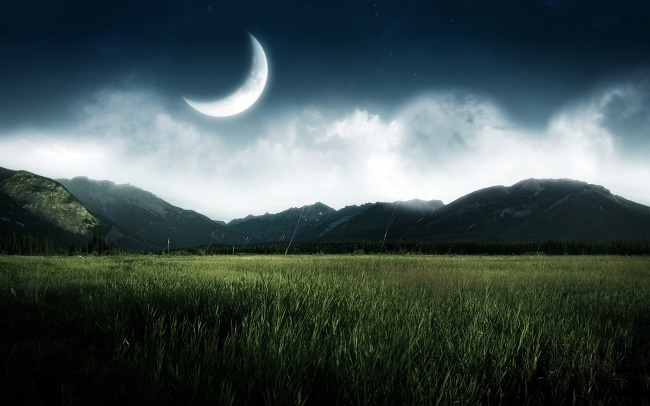 ماه زیبا و با شکوه