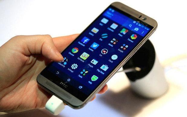 اچ تی سی 10 به عنوان بهترین اسمارت فون این شرکت در سالهال اخیر و پس از چند تجربهی ناموفق شناخته میشود