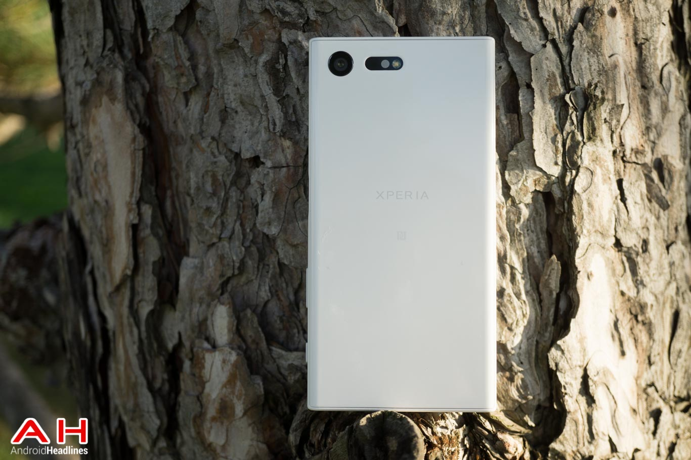 sony-xperia-x-compact-ah-2