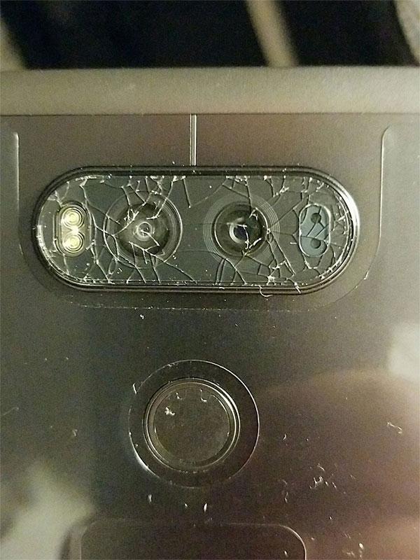 مشکل شکستن شیشه محافظ دوربین ال جی وی 20