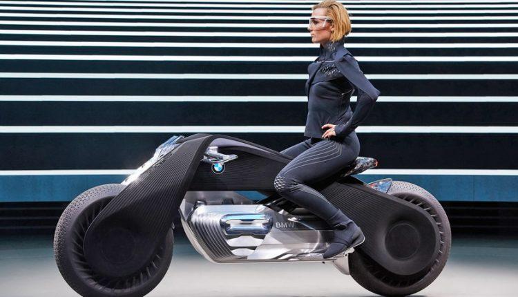 موتور سیکلت BMW، بی نیاز از کلاه ایمنی!