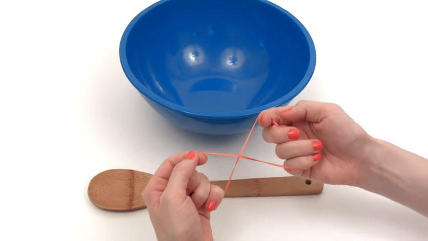 قاشق چوبی (تصویر 2)  خلاقیت کده؛ کاربردهای خلاقانه کشهای لاستیکی Spoon 02