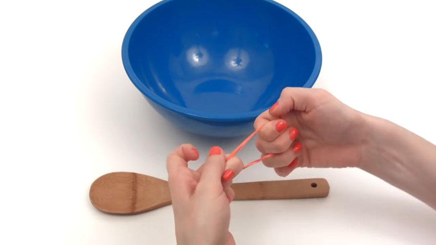 قاشق چوبی (تصویر 3)  خلاقیت کده؛ کاربردهای خلاقانه کشهای لاستیکی Spoon 03