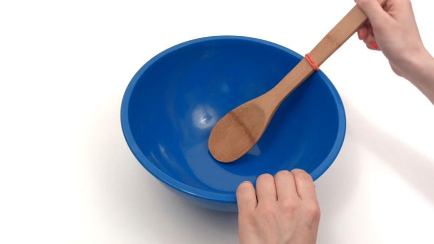 قاشق چوبی (تصویر 5)  خلاقیت کده؛ کاربردهای خلاقانه کشهای لاستیکی Spoon 05