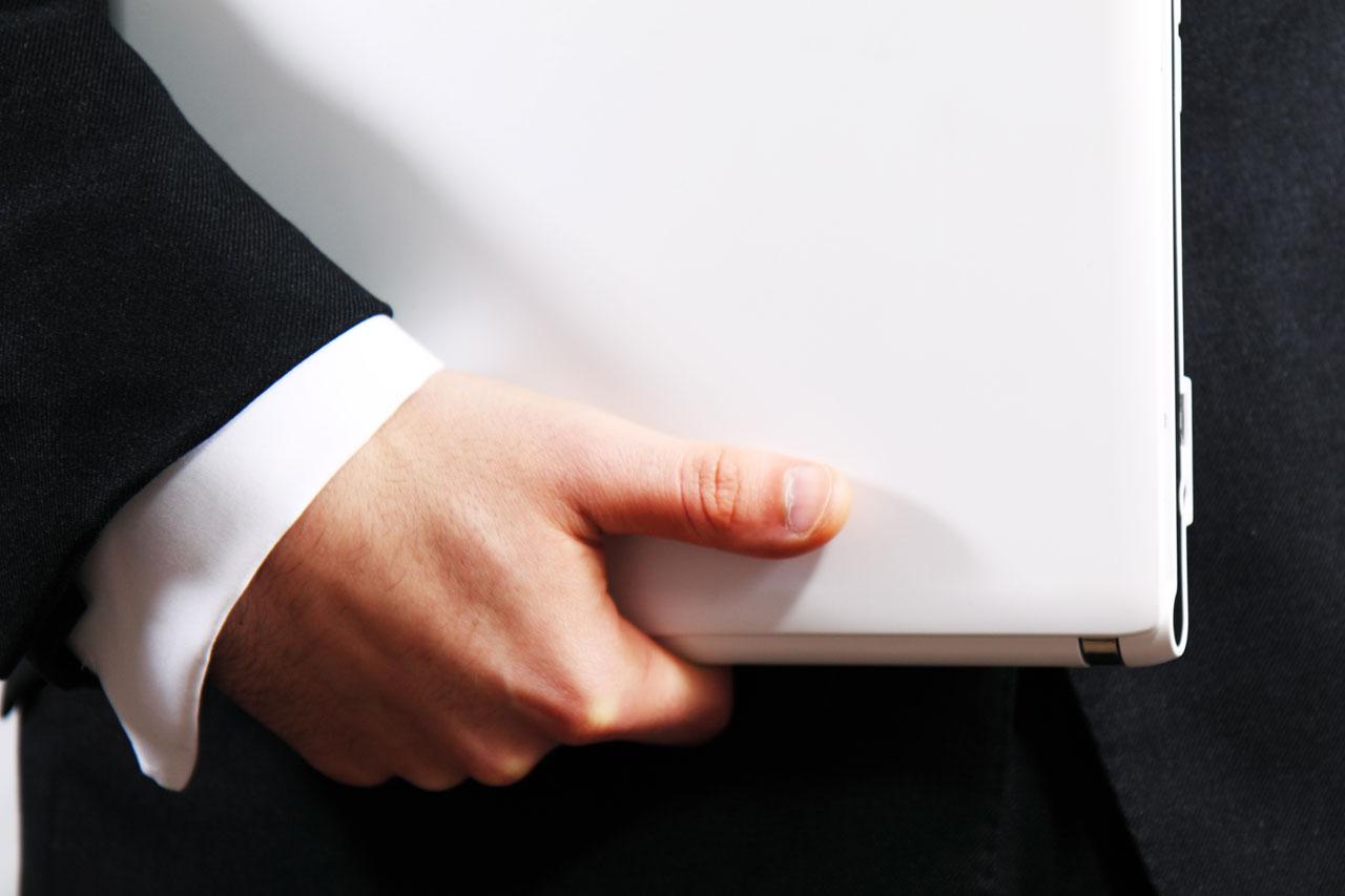 هنگام خرید لپ تاپ باید به چه نکاتی توجه داشته باشیم؟