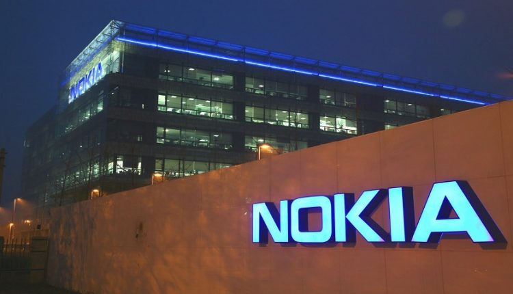 nokia-which-still-exists-sues-apple-over-32-smartphone-tech-patents