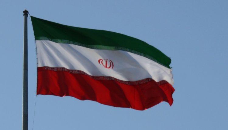 اپل اپلیکیشن های ایرانی را از اپ استور حذف می کند!