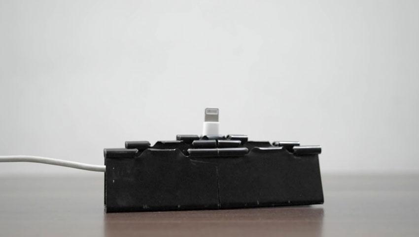 ساخت پایه گوشی با استفاده از گیره کاغذ (تصویر 25)