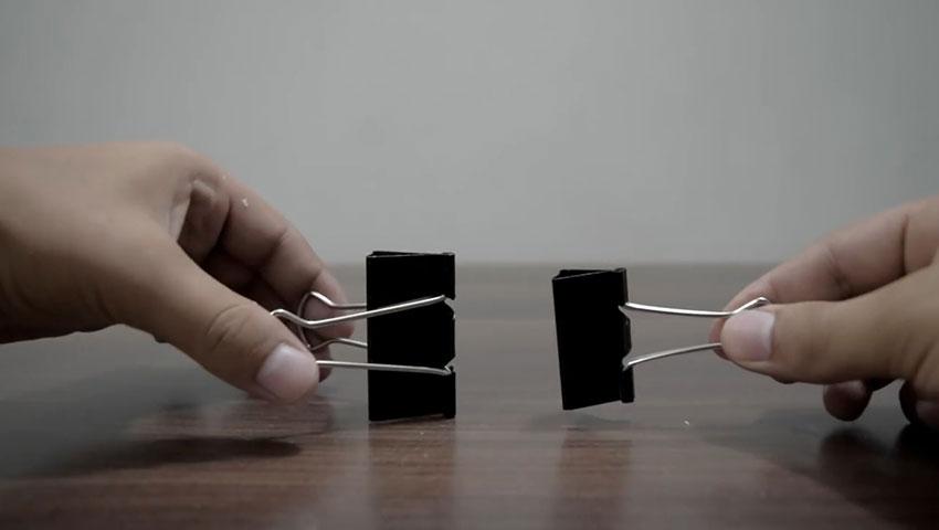 ساخت پایه گوشی با استفاده از گیره کاغذ (تصویر 29)