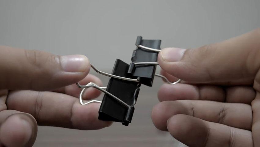 ساخت پایه گوشی با استفاده از گیره کاغذ (تصویر 40)