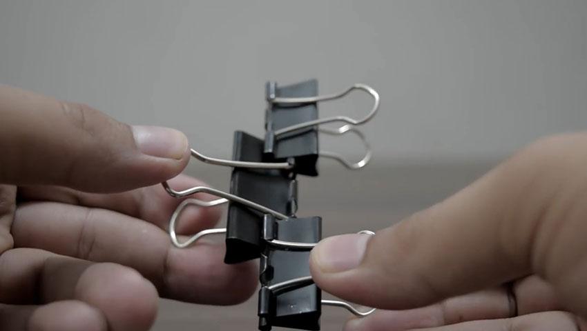 ساخت پایه گوشی با استفاده از گیره کاغذ (تصویر 41)