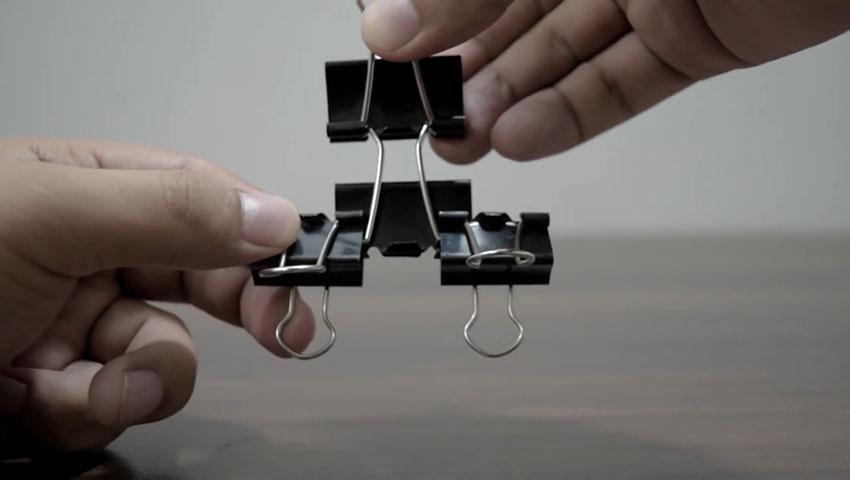 ساخت پایه گوشی با استفاده از گیره کاغذ (تصویر 45)