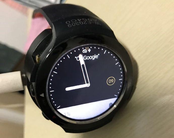 ساعت هوشمند اچ تی سی