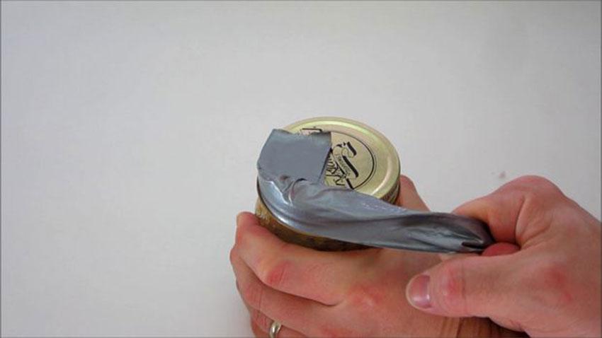 باز کردن درب سفت ظروف شیشهای (تصویر 4)