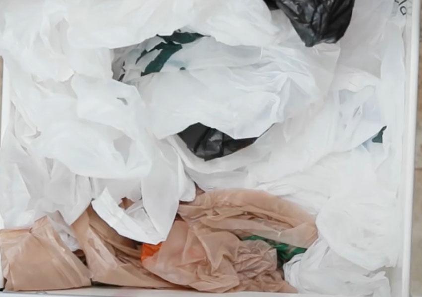 روشی جالب برای سر و سامان دادن به کیسههای پلاستیکی (تصویر 1)