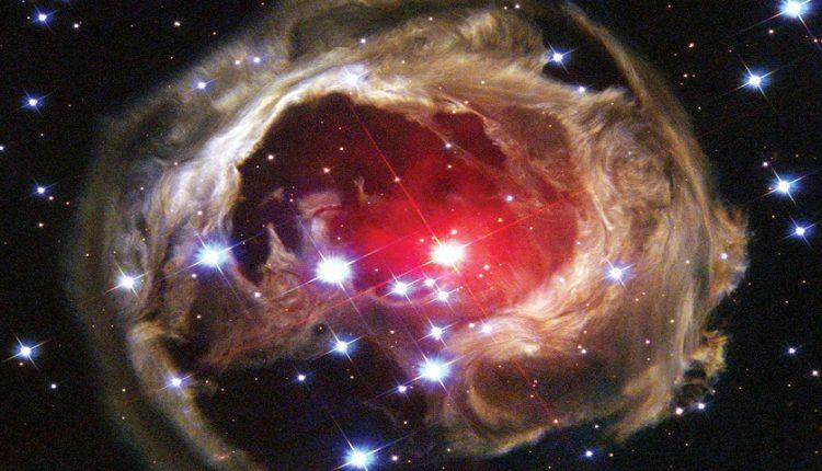 نخستین بار، انفجار نو اختر سرخ را با چشم غیرمسلح در آسمان ببینید