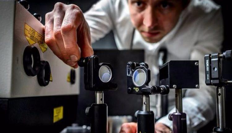 دانشمندان دوربینی ساختند که میتواند 5 تریلیون تصویر در ثانیه ثبت کند [تماشا کنید]