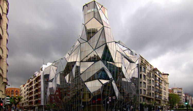 تاپ 10: با عجیبترین بناهای شیشهای دنیا آشنا شوید