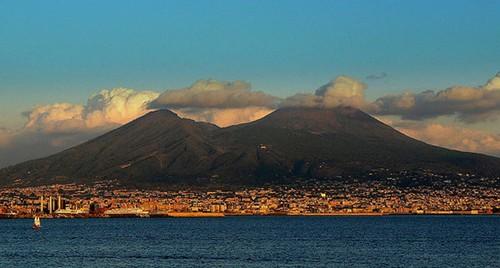 Mount-Vesuvius-Italy