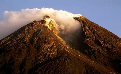 Mt.-Merapi-Indonesia