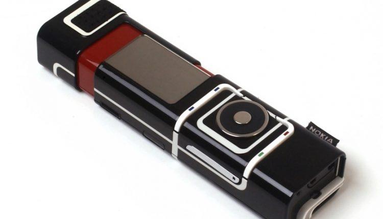 تاپ 10: با ده تا از عجیبترین گوشیهایی که تاکنون ساخته شدهاند آشنا شوید