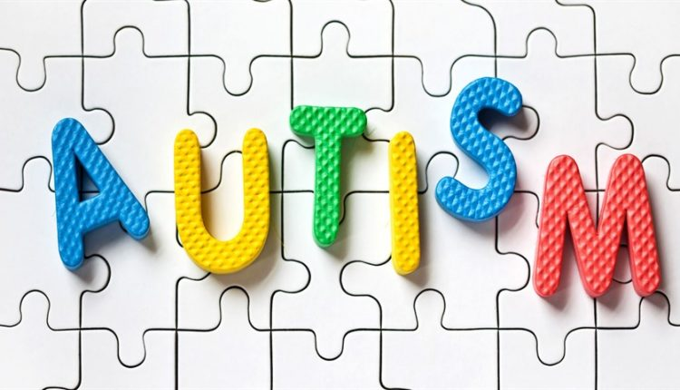 ۱۸ دانستنی دربارهی اوتیسم