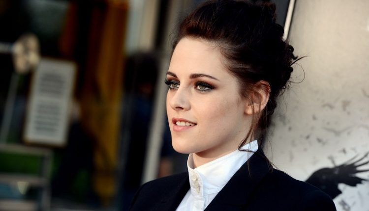 تاپ 10: با ده تا از زنان مشهوری که دارای زیباترین چشمها در دنیا هستند آشنا شوید!